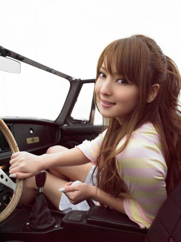 佐々木希 グラビアアイドルでモデル 女優のビキニ水着のかわいい画像03.jpg