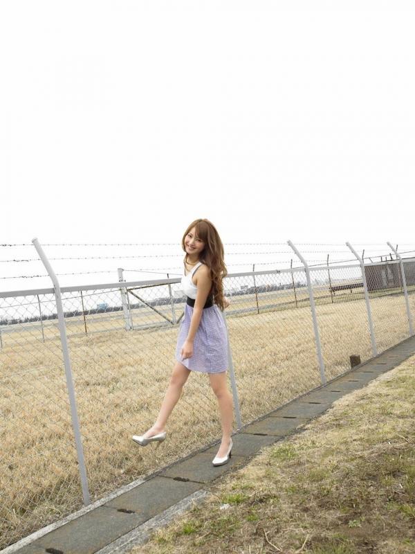 佐々木希 グラビアアイドルでモデル 女優のビキニ水着のかわいい画像09.jpg