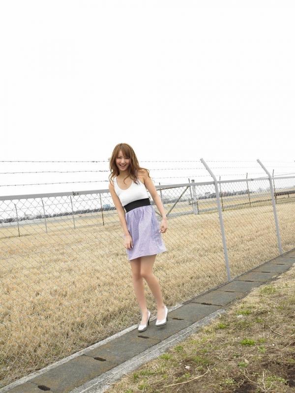 佐々木希 グラビアアイドルでモデル 女優のビキニ水着のかわいい画像10.jpg
