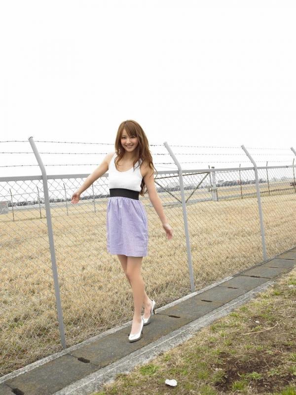 佐々木希 グラビアアイドルでモデル 女優のビキニ水着のかわいい画像11.jpg