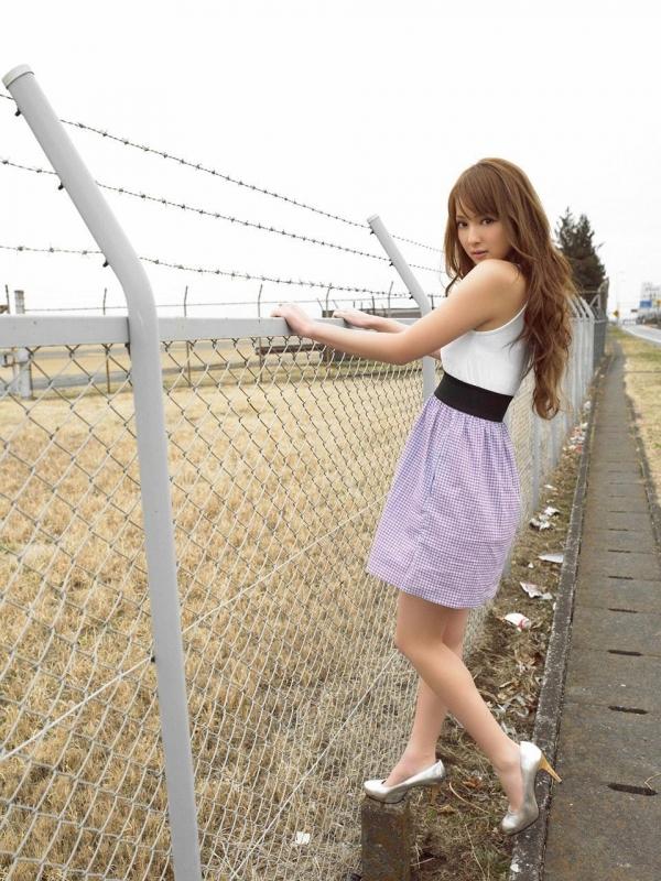 佐々木希 グラビアアイドルでモデル 女優のビキニ水着のかわいい画像15.jpg