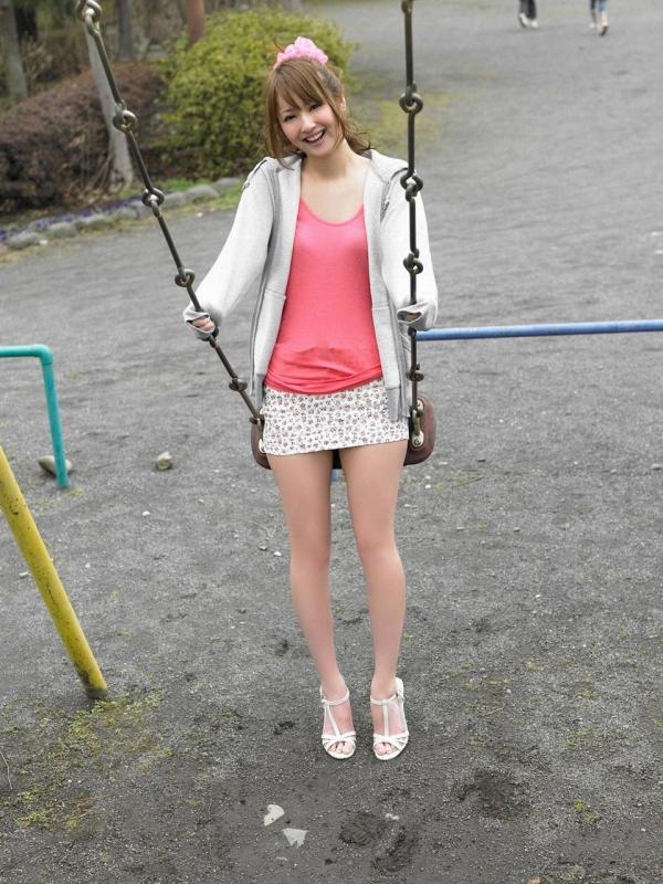 佐々木希 グラビアアイドルでモデル 女優のビキニ水着のかわいい画像36.jpg