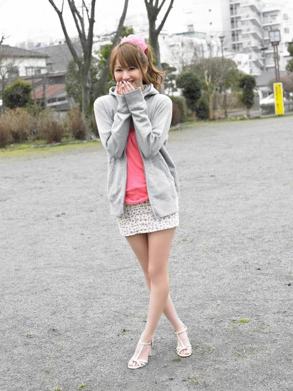 佐々木希 グラビアアイドルでモデル 女優のビキニ水着のかわいい画像38.jpg