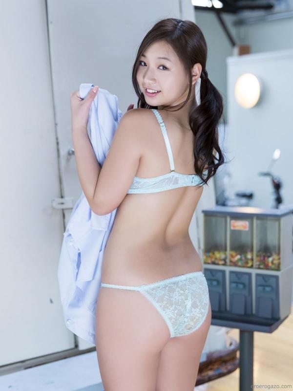 佐山彩香 水着 画像 過激042a.jpg