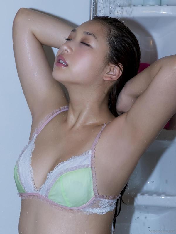 佐山彩香 水着 画像 過激091a.jpg