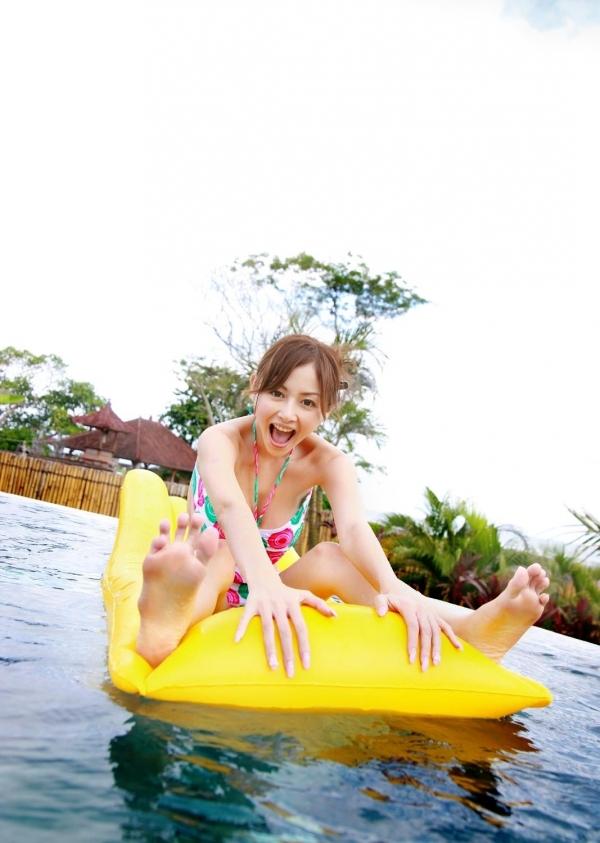 杉原杏璃|ビキニからハミ出たおっぱいがエッチなグラビアアイドルの水着エロ画像07.jpg