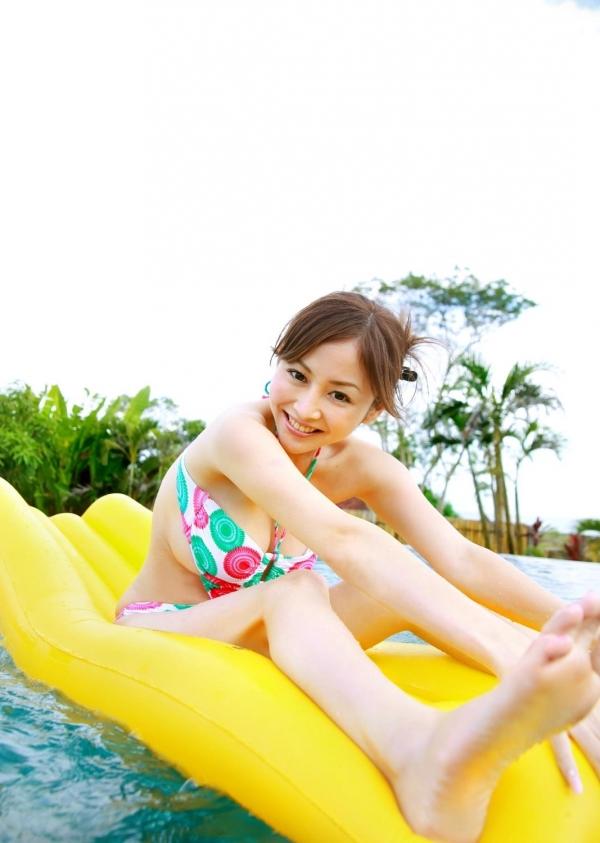 杉原杏璃|ビキニからハミ出たおっぱいがエッチなグラビアアイドルの水着エロ画像08.jpg
