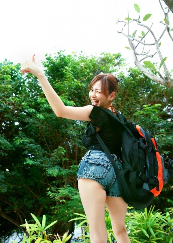杉原杏璃|ビキニからハミ出たおっぱいがエッチなグラビアアイドルの水着エロ画像15.jpg