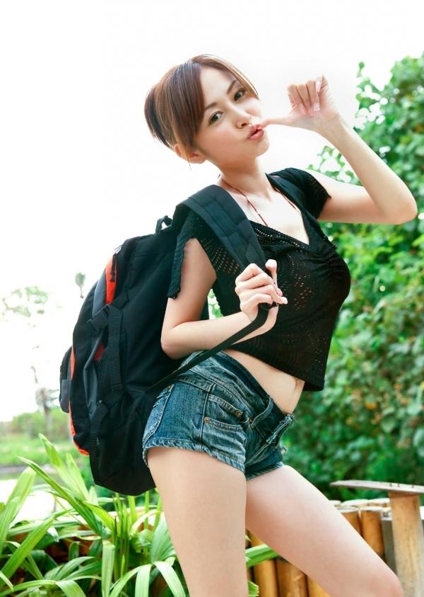 杉原杏璃|ビキニからハミ出たおっぱいがエッチなグラビアアイドルの水着エロ画像16.jpg