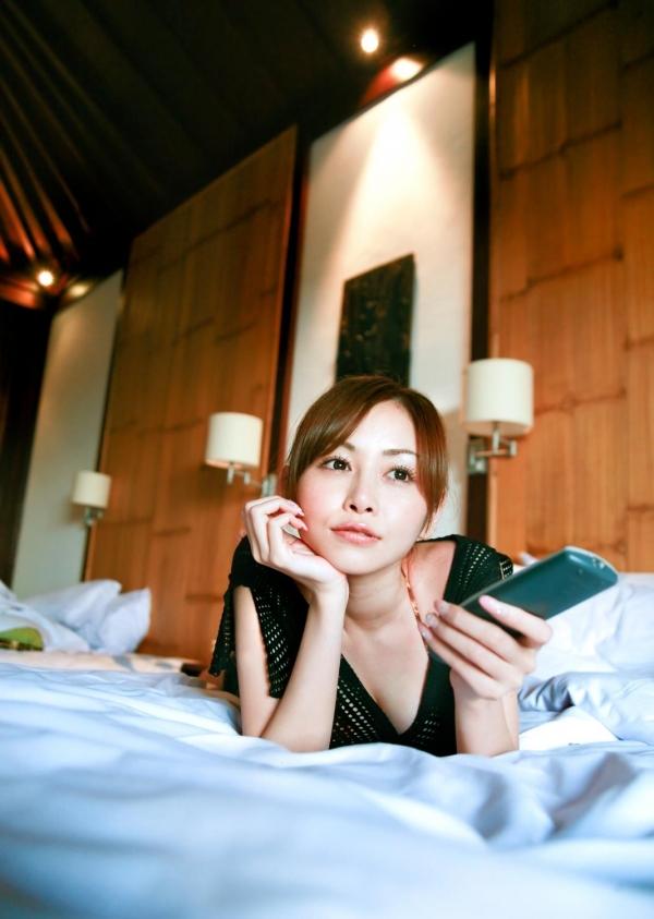杉原杏璃|ビキニからハミ出たおっぱいがエッチなグラビアアイドルの水着エロ画像17.jpg