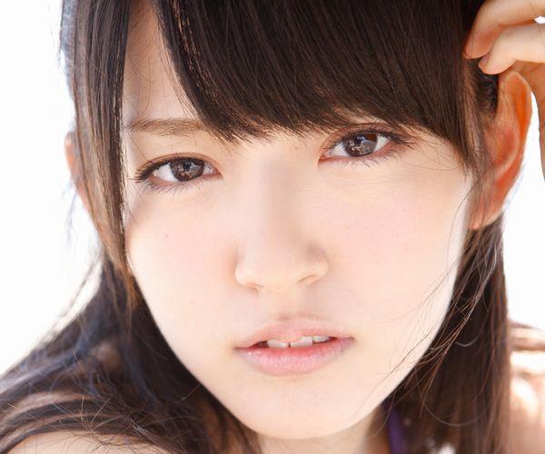 鈴木愛理 ハロープロジェクト℃-uteのアイドル ビキニ水着 画像01a.jpg
