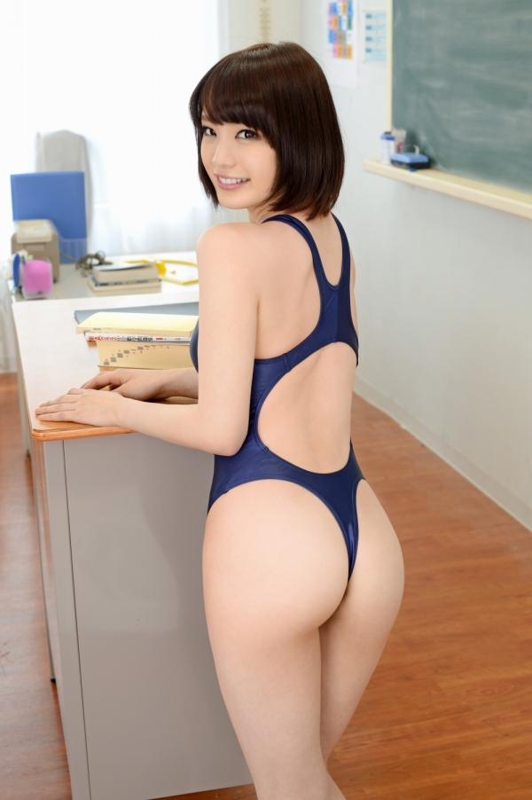 鈴村あいり しなやかボディの美女エロ画像31枚の02枚目