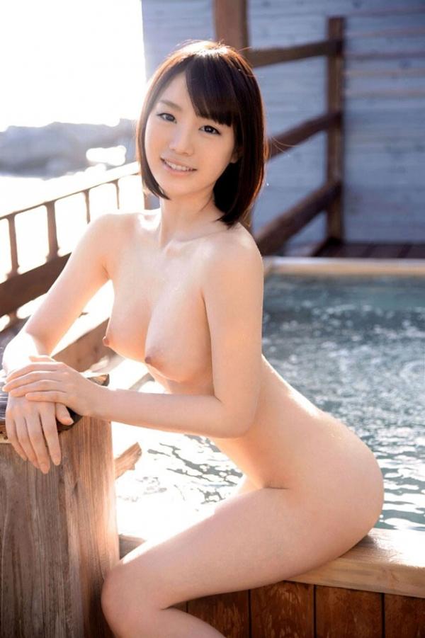 鈴村あいり しなやかボディの美女エロ画像31枚の04枚目
