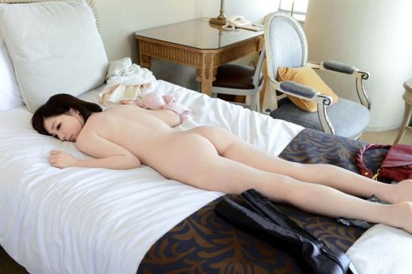 鈴村あいり しなやかボディの美女エロ画像31枚の06枚目