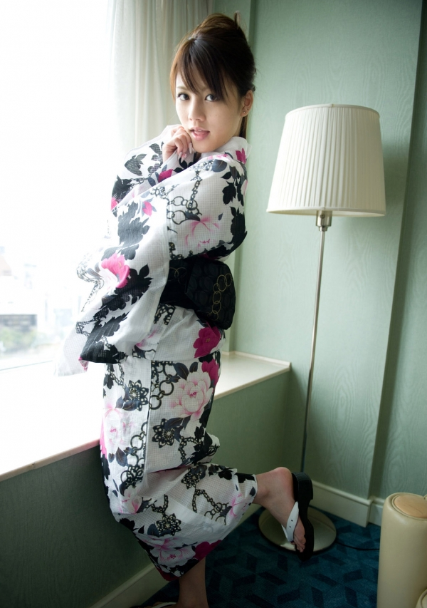 月野りさ|浴衣姿の美人AV女優がエロメン鈴木一徹とエッチしてるエロ画像37.jpg