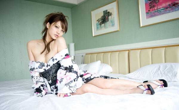 月野りさ|浴衣姿の美人AV女優がエロメン鈴木一徹とエッチしてるエロ画像49.jpg