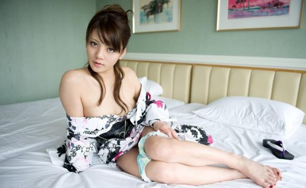 月野りさ|浴衣姿の美人AV女優がエロメン鈴木一徹とエッチしてるエロ画像50.jpg