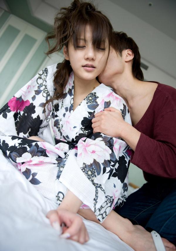 月野りさ|浴衣姿の美人AV女優がエロメン鈴木一徹とエッチしてるエロ画像63.jpg