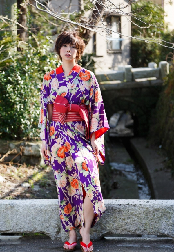 卯水咲流(うすいさりゅう) 元モデルで芸能人だったAV女優の露出ヌードなどエロ画像23a.jpg