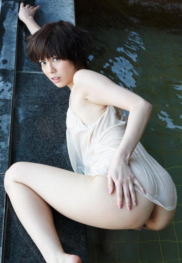 卯水咲流(うすいさりゅう) 元モデルで芸能人だったAV女優の露出ヌードなどエロ画像53a.jpg