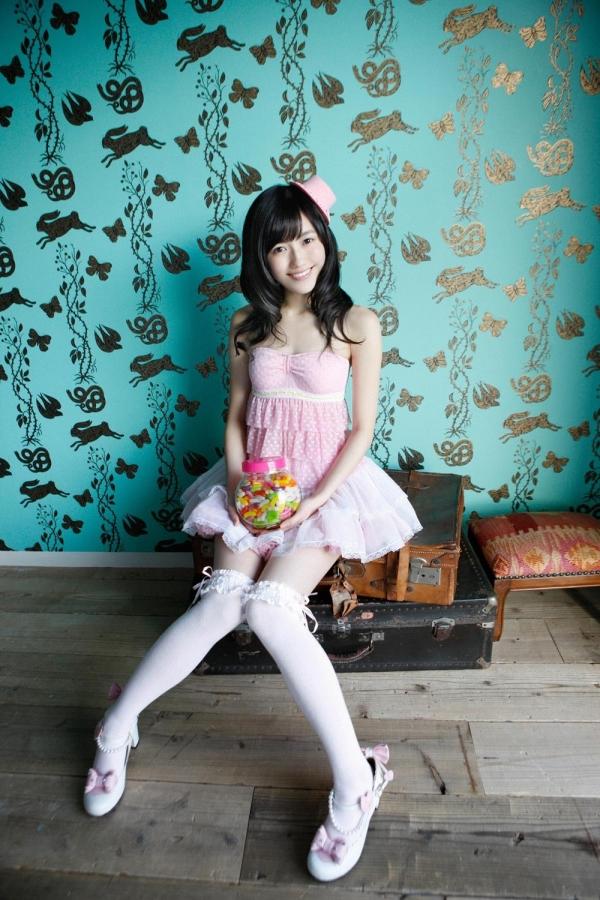 渡辺麻友 AKB48まゆゆのかわいいワンピース&ニーハイ姿 画像ードのAV女優エロ画像02.jpg