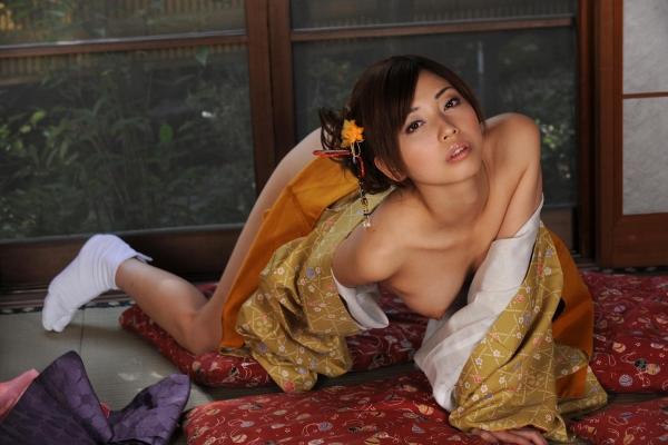 横山美雪 美微乳の美女ヌード画像まとめ160枚の46番