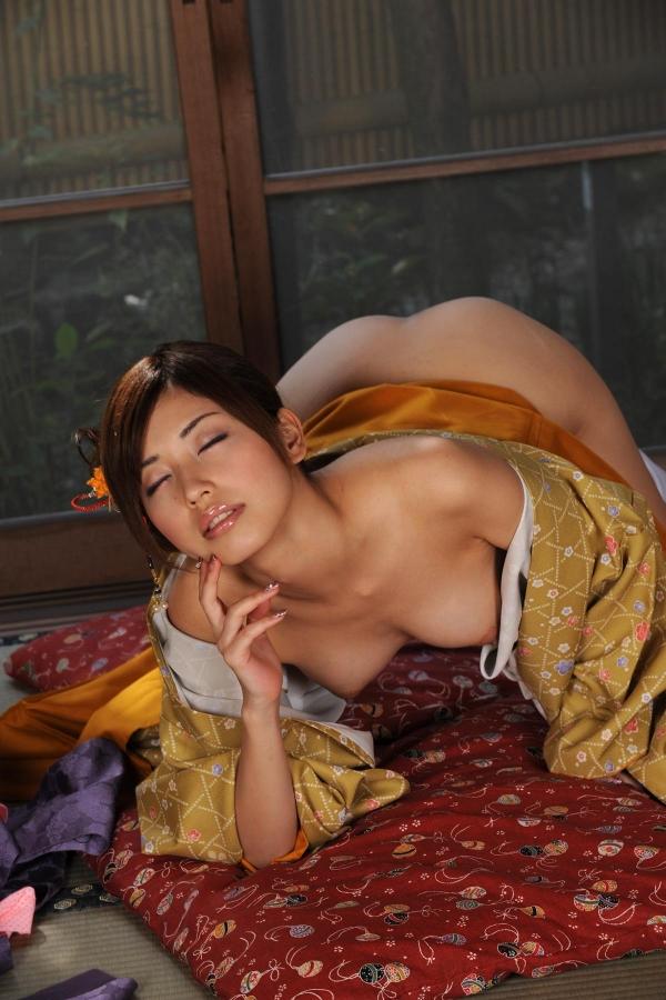 横山美雪 美微乳の美女ヌード画像まとめ160枚の48番