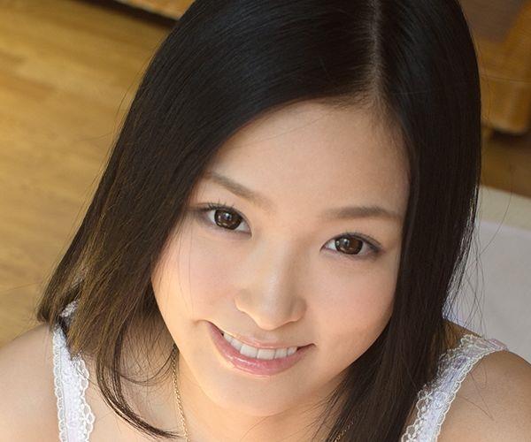柚月あい(ゆづきあい)NMB48山本彩似のAV女優 下着姿とヌードエロ画像01a.jpg
