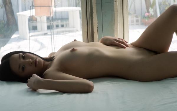柚月あい(ゆづきあい)NMB48山本彩似のAV女優 下着姿とヌードエロ画像17a.jpg