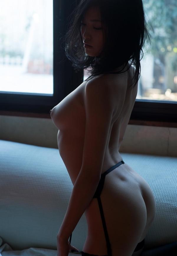 柚月あい(ゆづきあい)NMB48山本彩似のAV女優 下着姿とヌードエロ画像45a.jpg