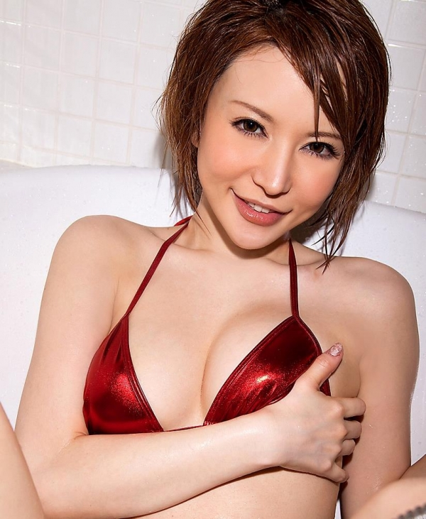 里美ゆりあ|美人でエッチなお姉さん水着や下着姿のAV女優エロ画像a011a.jpg