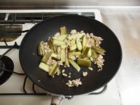 夏野菜と鶏ひき肉のオイスター27