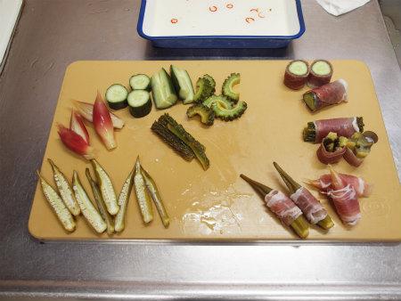 夏野菜の酢漬け生ハム巻き47