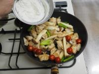 鶏むね肉のヨーグルトソース15