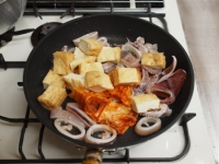 イカと厚揚げのキムチ炒め39