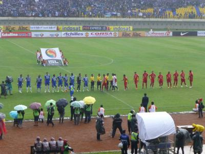 インドネシアサッカー選手整列