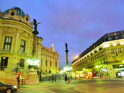 パリのオペラ座すぐ横