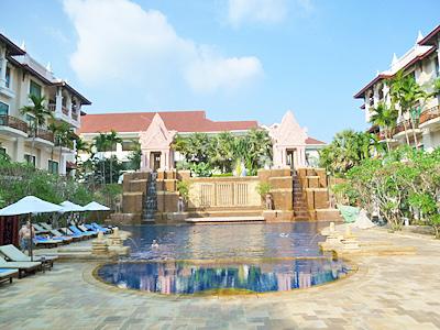 ソカ・アンコール・リゾートの中庭のプール