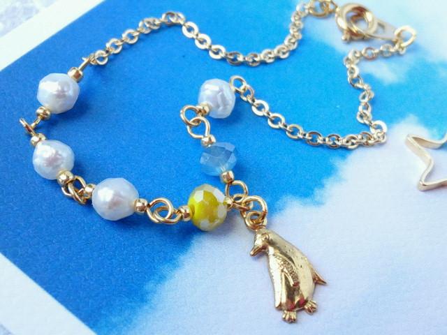 ペンギンとカット淡水パールのブレスレット2