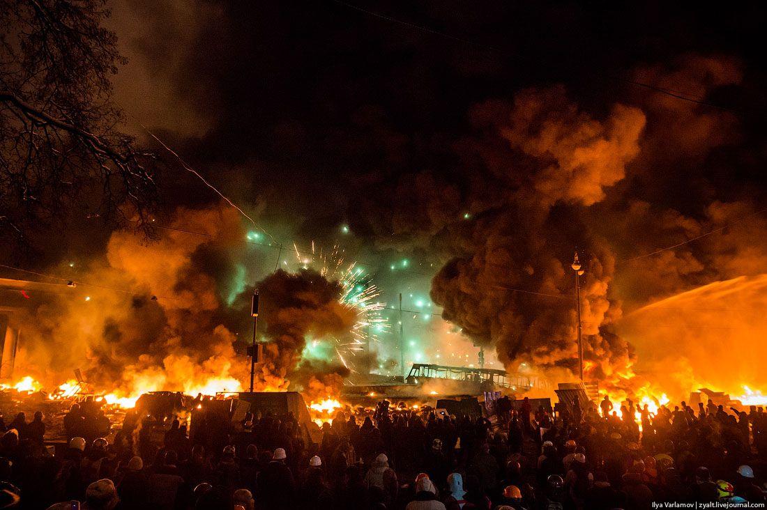 GPplJZJ世紀末 ウクライナのデモが凄いことになってる