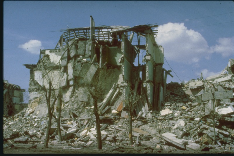 lossy-page1-800px-1988_Spitak_earthquake_-_Collapse_of_Floors,_Leninakan,_Armenia_tif
