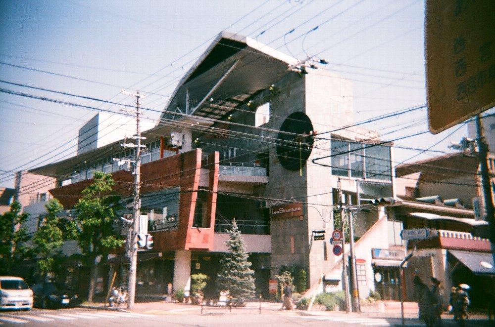 JAPAN OPTICSのConcord C180で撮った建物
