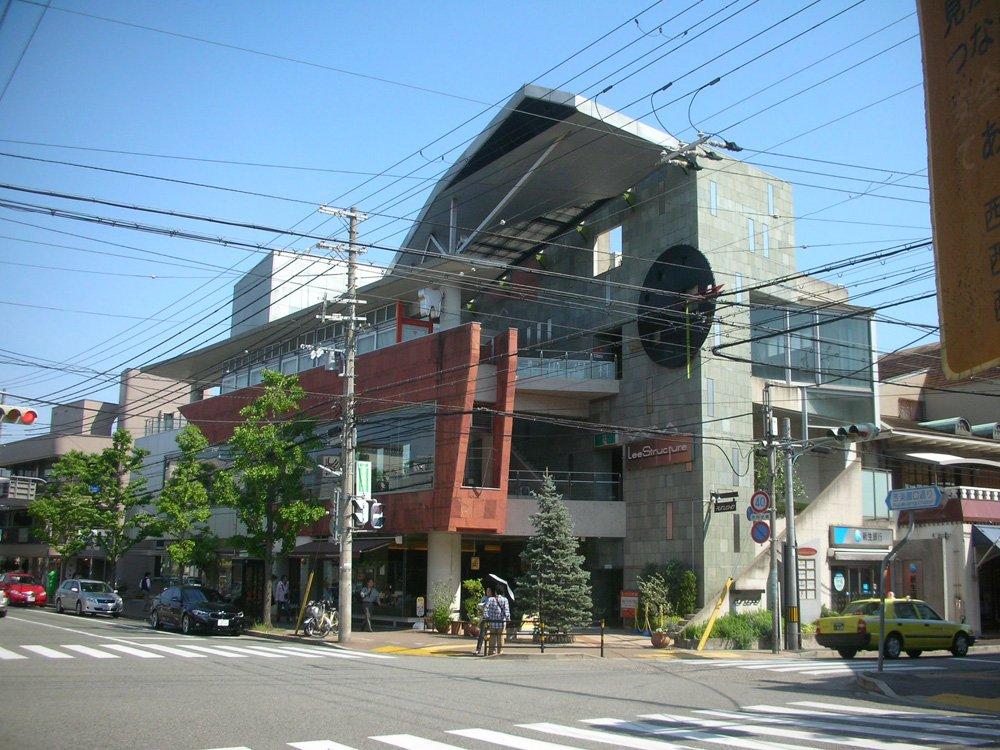 NikonのCOOLPIX S3で撮った建物