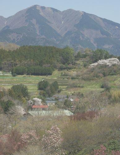 三ノ塔と柳川集落