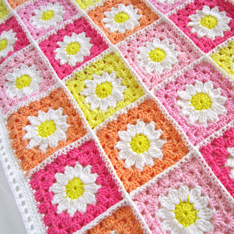 ColornCream-DaisyTravelBanket6.png