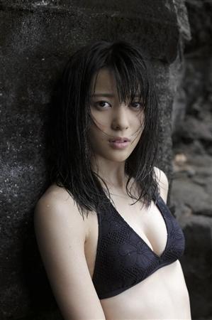 矢島舞美、大人な写真集発売!けがれのない等身大の彼女を表現