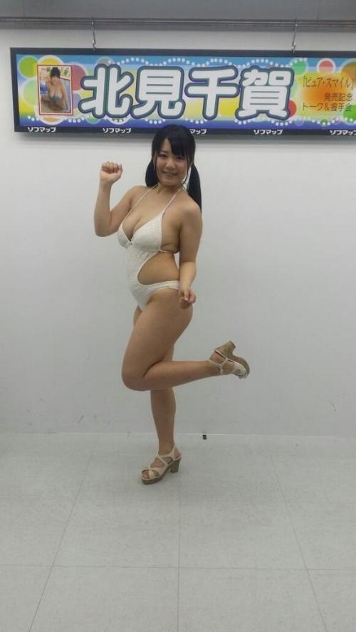 【画像あり】17歳・Hカップのぽっちゃりグラビアアイドル北見千賀
