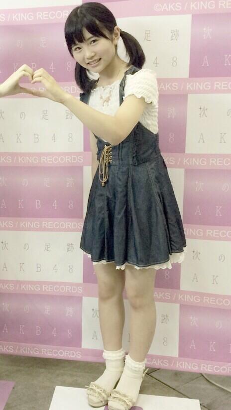 【画像】HKT48の秋吉優花ちゃん(13歳・中2)がロリロリだと俺の中で話題に