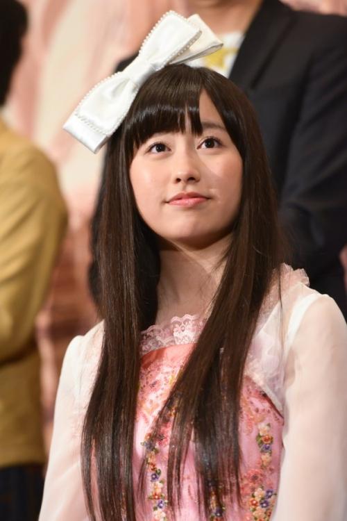 「センターはドキドキする」ももクロあーりんこと佐々木彩夏 映画舞台挨拶で笑顔