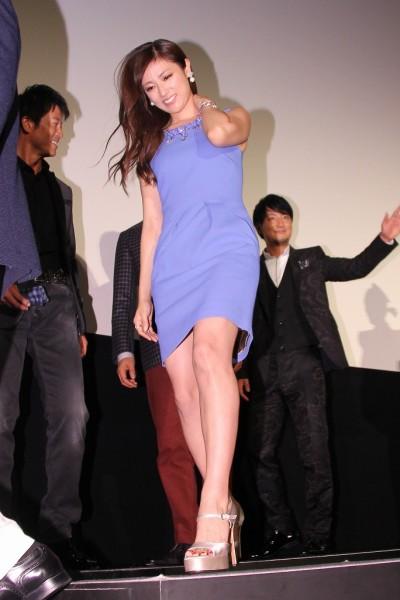 深田恭子 セクシーワンピで見事な脚線美披露 乱暴なセリフに「ちょっとドキドキ」